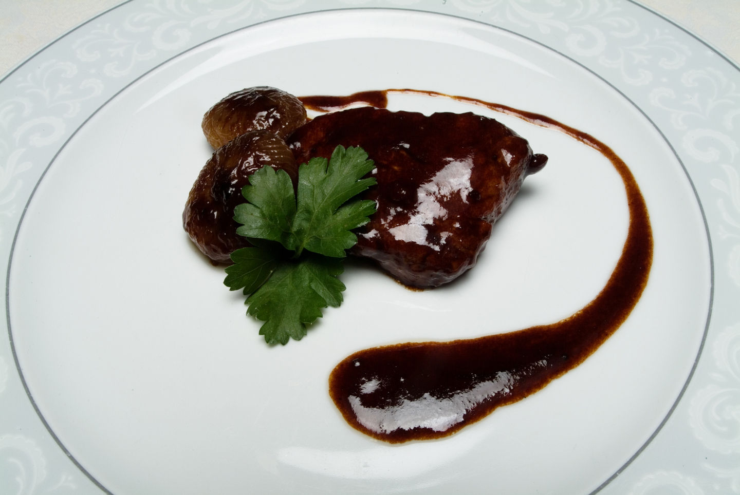 Filetto all'aceto balsamico con cipolline borettane